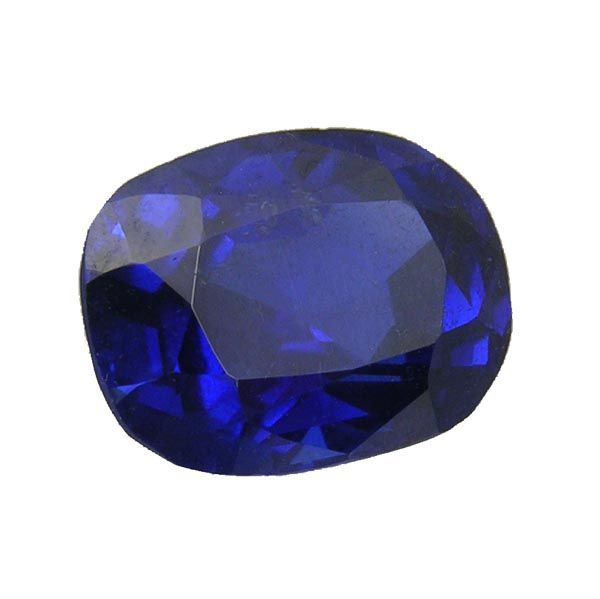 Loose oval faceted sapphire on Sally Thornton Jewellery blog from Thorntons Jewellers Kettering