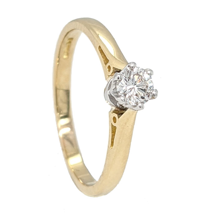 102044 Pre loved single stone diamond ring £750 on Jewellery blog by Sally Thornton for Thorntons Jewellers Kettering Northampton