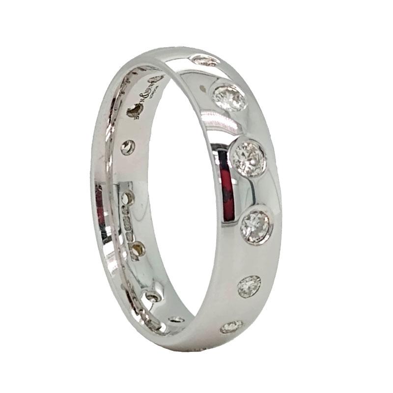 Diamonds set into a new wedding ring Sally Thorntons Jewellery blog on Design from Thornton Jeweller Kettering Northampton